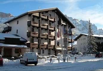 Apartment in Italy, Alta Badia: Frontal view