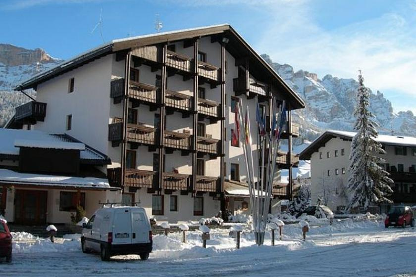 Ski Apartment To Rent In Alta Badia Italy With Pool 88137