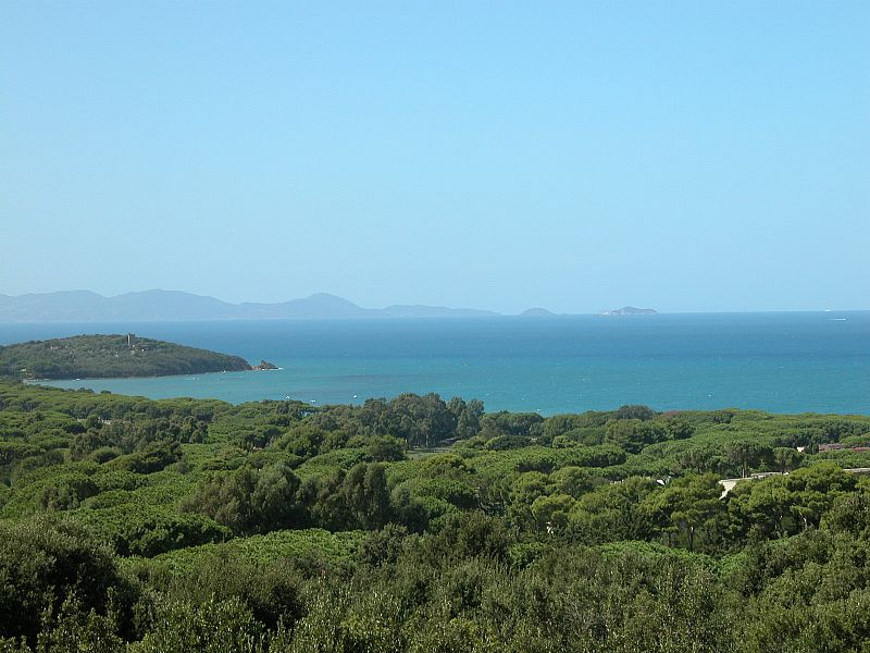 Villa in Italy, Punta ala: View with Elba Island