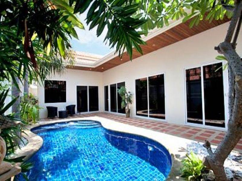 Villa in Thailand, Pattaya: Pratamnak Pool Villa 1B
