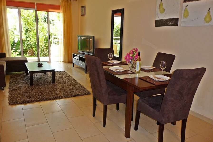 Apartment in Cyprus, Nissi Beach: Nissi 3 garden Apartment, Living area