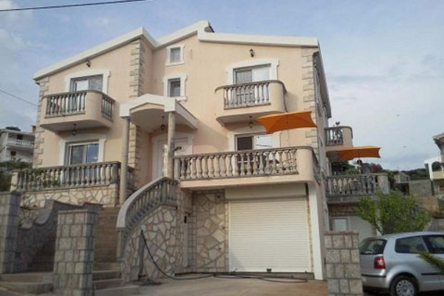 5-bedroom villa in Utjeha, Bar Riviere with sea-view