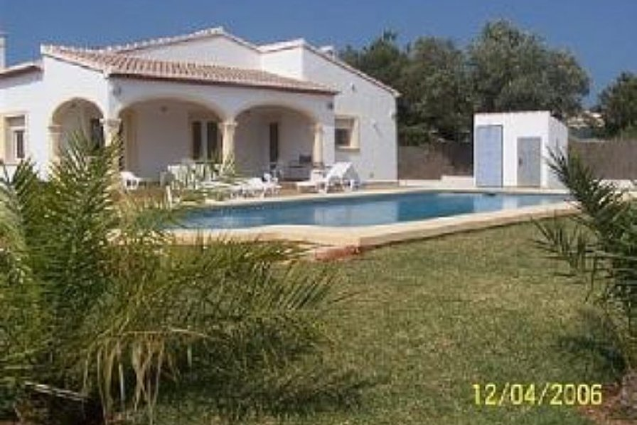 Villa in Spain, Jávea: House and pool view