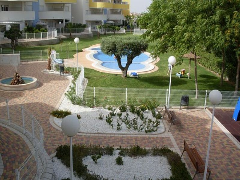 Apartment in Spain, Villamartín: Terrace view to communal area and pool
