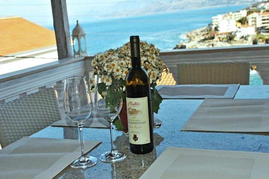 Luxury 3-bedroom villa with sea-view in Hladna Uvala, Bar Riviere