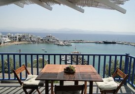 New independent apartment with excellent sea view
