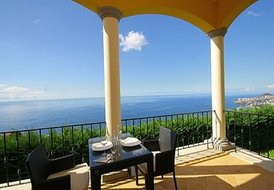 Luxury 1 Bedroom Apartment with stunning views Madeira