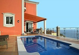 Luxury 3 Bedroom Villa with Private Pool in Madeira