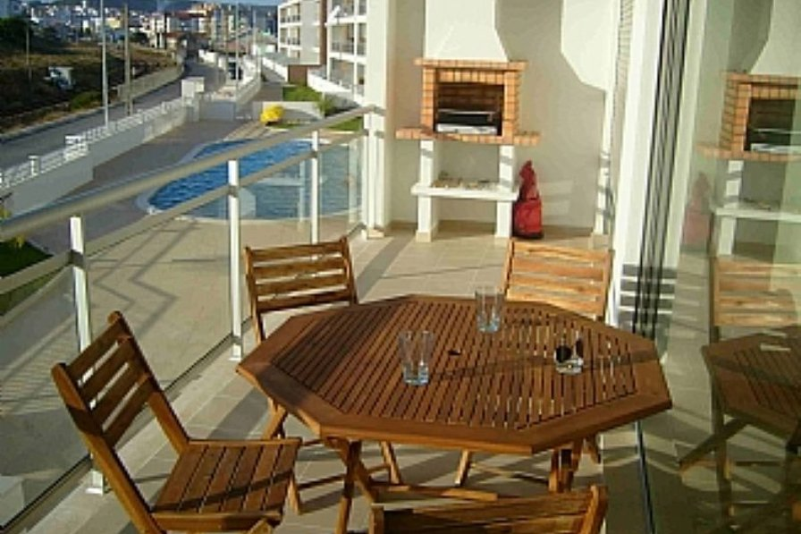Apartment in Portugal, Săo Martinho do Porto: Spacious terrace and bbq