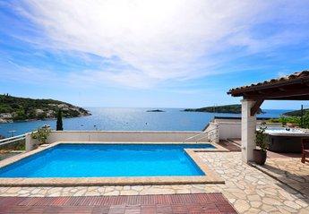 Villa in Croatia, Molunat