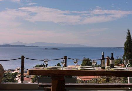 Villa in Lagonisi, Greece