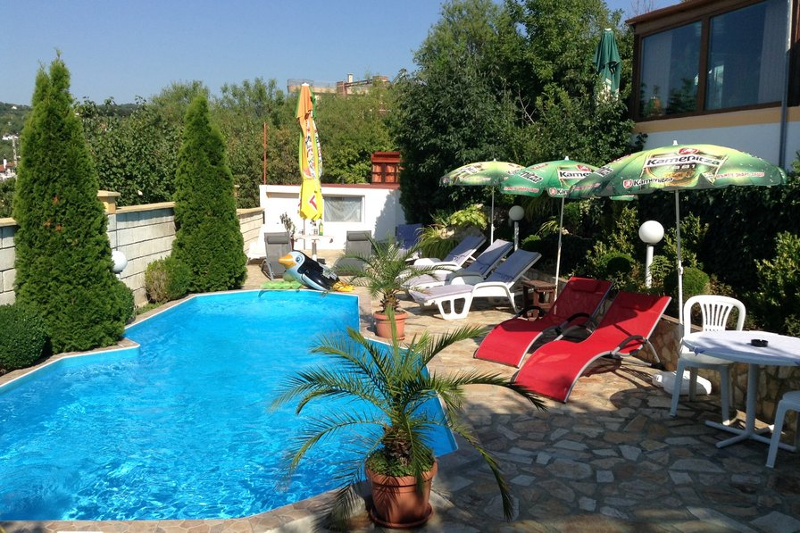 Villa in Bulgaria, Chayka