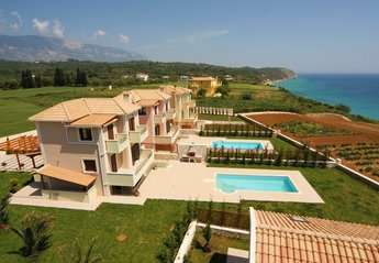 4 bedroom Villa for rent in Svoronata