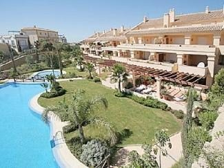 Apartment in Spain, Marbella: Pool and gardens