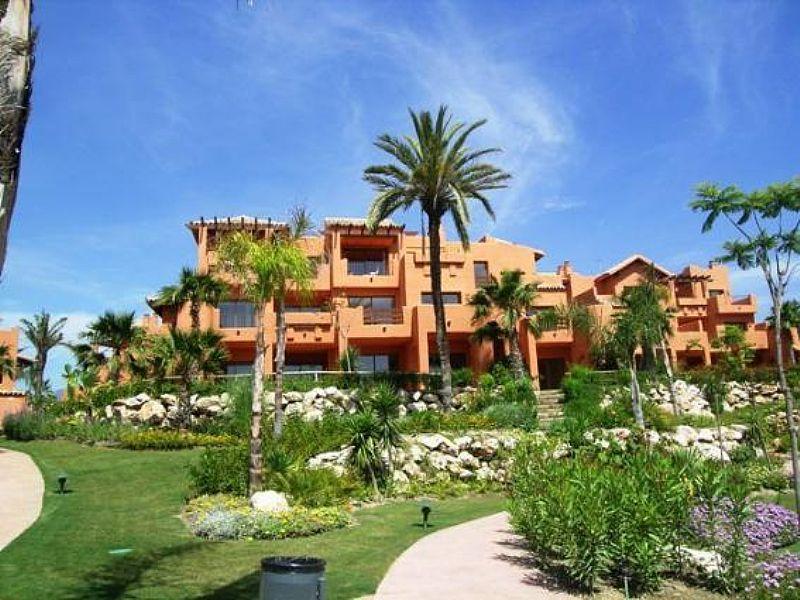 Apartment in Spain, Estepona: the complex