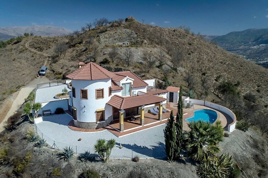 Country house in Spain, Benamargosa