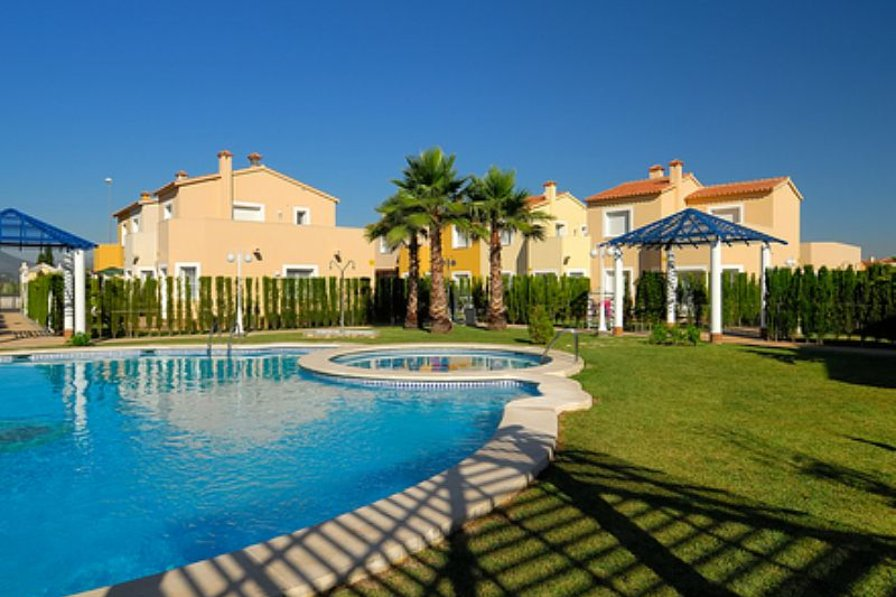 Villa in Spain, Oliva: Pool Area With Kiddies Section