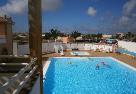Villa in Geafond, Fuerteventura: Large secluded pool also childrens pool