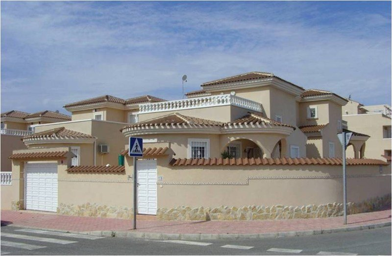 Villa To Rent In Ciudad Quesada Spain With Private Pool