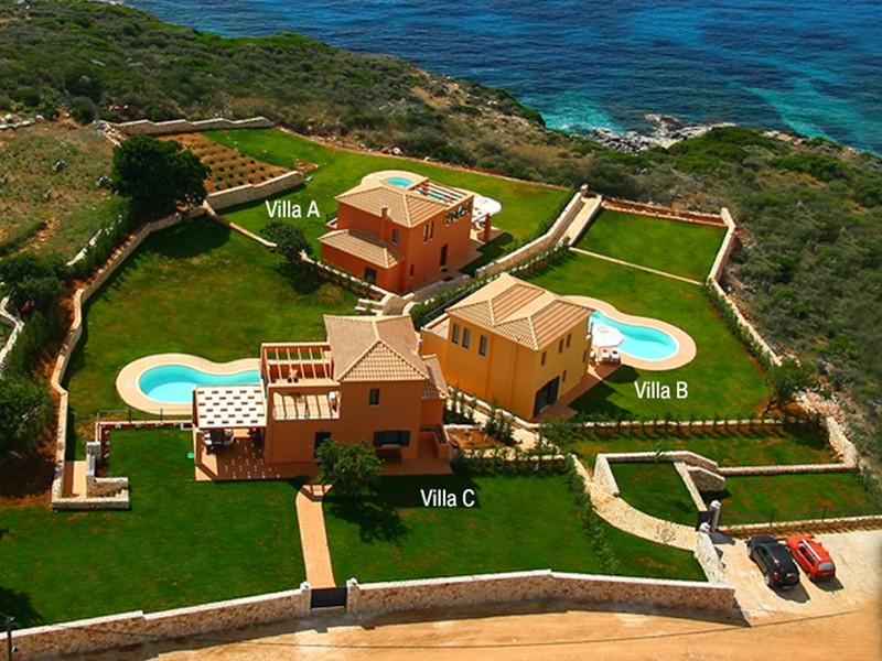 Villa in Greece, Skala: Villa Brio Exclusive complex is located on the coastline of Skala