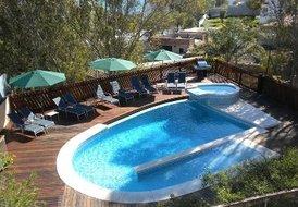Villa in Miraflores, Spain: Fabulous swimming pool and sun deck