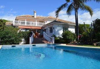 4 bedroom Villa for rent in Marbesa