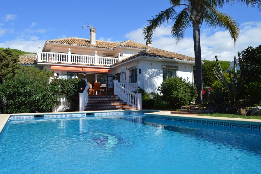 Holiday Villa with private pool in Marbesa