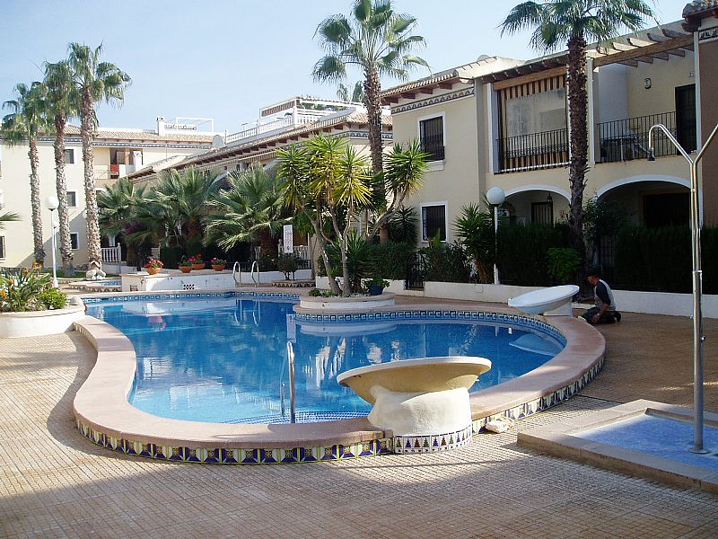 Beach Apartment In Los Alcazares Spain With Shared Pool