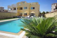 Apartment in Egypt, Hurghada: Ground floor apartment pool and garden view.