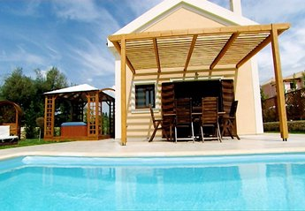 2 bedroom Villa for rent in Svoronata