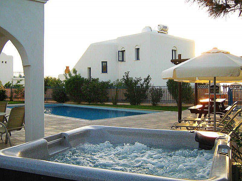 Villa in Cyprus, Agios Georgios: Private Hot Tub