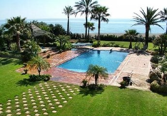 10 bedroom Villa for rent in Guadalmina