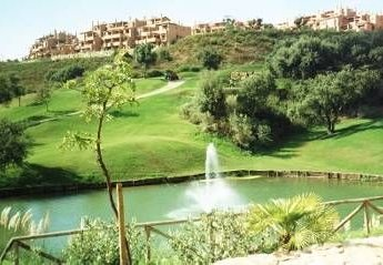 Apartment in Spain, Marbella: View of apartment from golf course