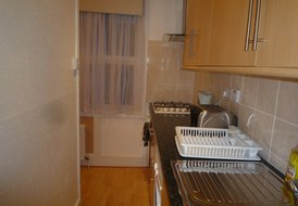 2 Bed 1st floor apartment  London ( 20 minutes to City centre)