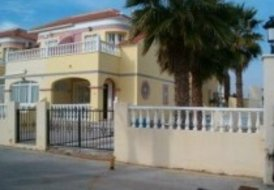 2 bedroom corner townhouse close to Cabo Roig