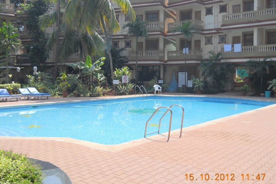 Owners abroad Spacious 2 bed (en suite) apartment in the heart of Candolim