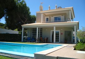 Villa in Vilamoura, Algarve: Pool, house view