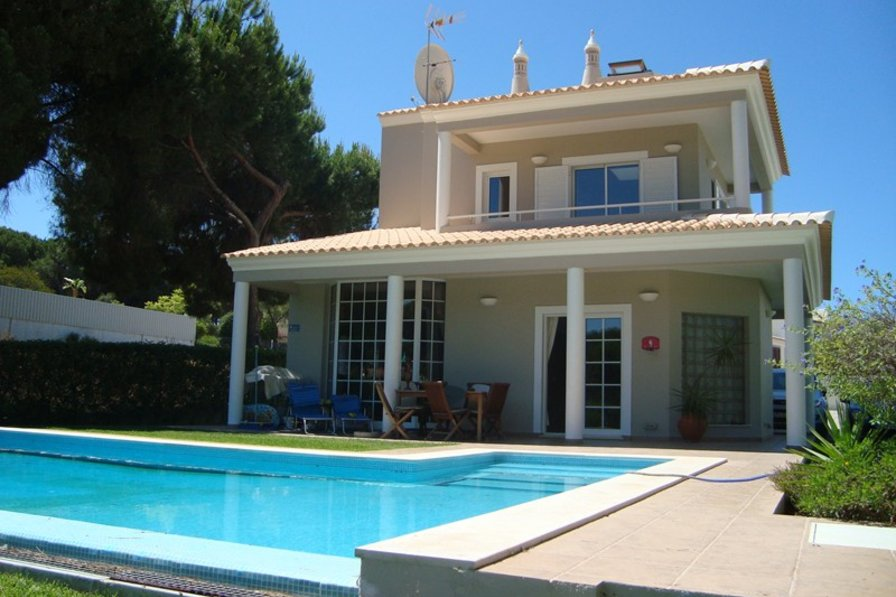 Villa in Portugal, Vilamoura: Pool, house view