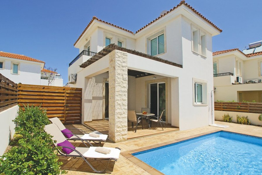 Owners abroad Villa Dana for 5
