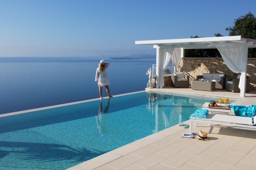 Villa in Greece, Kalami
