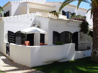 Apartment in Portugal, Alvor: Front view of property