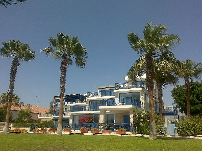 Studio apartment in Cyprus, Governors Beach: Cyprus studio building
