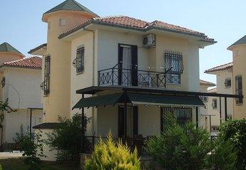 Villa in Turkey, Silver Sand Beach: Villa and open garden