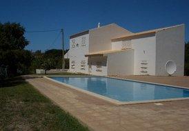 5 Bedroom Villa with Pool nr Santa Barbara de Nexe Faro