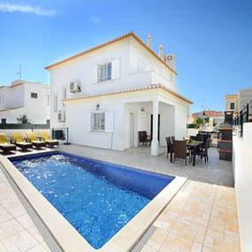 View all villas and apartments in Algarve